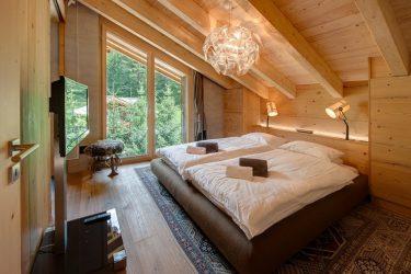 Освещение мансарды в деревянном доме